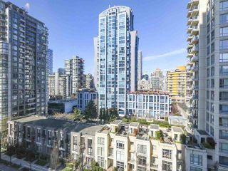 "Photo 18: 804 1238 RICHARDS Street in Vancouver: Yaletown Condo for sale in ""THE METROPOLIS"" (Vancouver West)  : MLS®# R2455018"