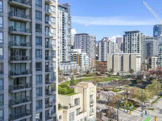 "Photo 19: 804 1238 RICHARDS Street in Vancouver: Yaletown Condo for sale in ""THE METROPOLIS"" (Vancouver West)  : MLS®# R2455018"