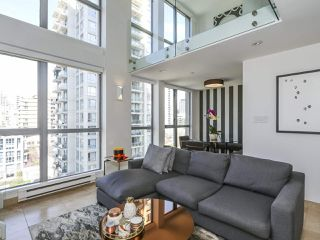 "Photo 2: 804 1238 RICHARDS Street in Vancouver: Yaletown Condo for sale in ""THE METROPOLIS"" (Vancouver West)  : MLS®# R2455018"
