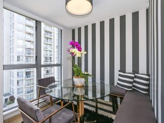 "Photo 6: 804 1238 RICHARDS Street in Vancouver: Yaletown Condo for sale in ""THE METROPOLIS"" (Vancouver West)  : MLS®# R2455018"