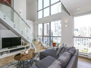 "Photo 3: 804 1238 RICHARDS Street in Vancouver: Yaletown Condo for sale in ""THE METROPOLIS"" (Vancouver West)  : MLS®# R2455018"