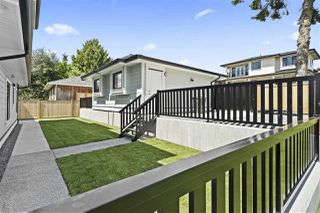"""Photo 3: 7883 CURRAGH Avenue in Burnaby: South Slope House 1/2 Duplex for sale in """"SOUTH SLOPE"""" (Burnaby South)  : MLS®# R2456938"""