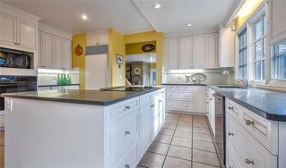 Photo 7: 2722 MONTCALM Crescent SW in Calgary: Upper Mount Royal Detached for sale : MLS®# C4296404