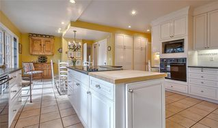 Photo 9: 2722 MONTCALM Crescent SW in Calgary: Upper Mount Royal Detached for sale : MLS®# C4296404