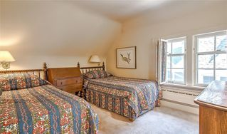 Photo 39: 2722 MONTCALM Crescent SW in Calgary: Upper Mount Royal Detached for sale : MLS®# C4296404