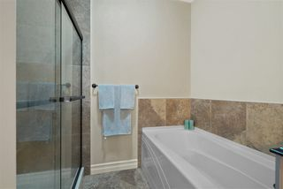 Photo 11: 903 10142 111 Street in Edmonton: Zone 12 Condo for sale : MLS®# E4209080