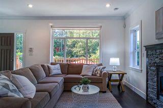 Photo 4: 629 E 13TH Avenue in Vancouver: Mount Pleasant VE House 1/2 Duplex for sale (Vancouver East)  : MLS®# R2488207