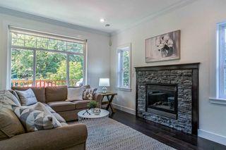 Photo 3: 629 E 13TH Avenue in Vancouver: Mount Pleasant VE House 1/2 Duplex for sale (Vancouver East)  : MLS®# R2488207