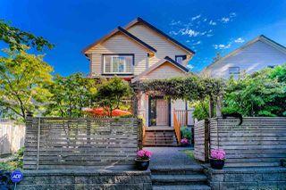 Photo 2: 629 E 13TH Avenue in Vancouver: Mount Pleasant VE House 1/2 Duplex for sale (Vancouver East)  : MLS®# R2488207