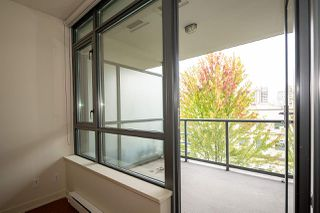 "Photo 9: 309 750 W 12TH Avenue in Vancouver: Fairview VW Condo for sale in ""TAPESTRY"" (Vancouver West)  : MLS®# R2501353"