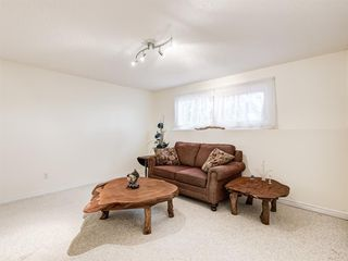 Photo 19: 320 Willow Park Drive SE in Calgary: Willow Park Detached for sale : MLS®# A1041672