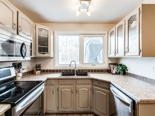 Photo 10: 320 Willow Park Drive SE in Calgary: Willow Park Detached for sale : MLS®# A1041672