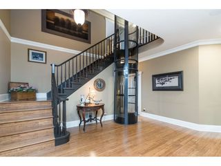 "Photo 2: 2405 CRANBERRY Court in Abbotsford: Abbotsford East House for sale in ""EAGLE MOUNTAIN"" : MLS®# R2528387"