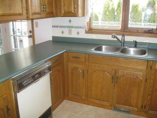 Photo 8: 111 CARLOTTA Crescent in WINNIPEG: Charleswood Residential for sale (South Winnipeg)  : MLS®# 1107264
