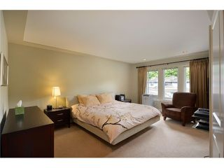 Photo 6: 4825 BARKER Crescent in Burnaby: Garden Village House for sale (Burnaby South)  : MLS®# V902284