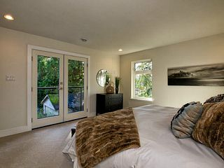 Photo 9: 1063 BELVEDERE Drive in North Vancouver: Canyon Heights NV House for sale : MLS®# V985753