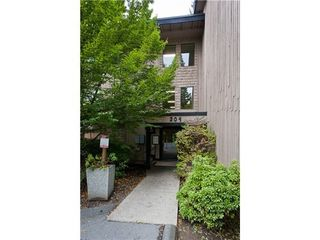 Photo 3: 317 204 WESTHILL Place in Port Moody: College Park PM Home for sale ()  : MLS®# V1013438