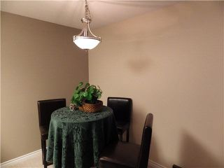 Photo 5: 203 1442 BLACKWOOD Street: White Rock Condo for sale (South Surrey White Rock)  : MLS®# F1445500