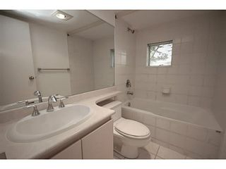 """Photo 9: 101 2638 ASH Street in Vancouver: Fairview VW Condo for sale in """"CAMBRIDGE GARDENS"""" (Vancouver West)  : MLS®# V1137698"""