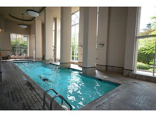 """Photo 15: 101 2638 ASH Street in Vancouver: Fairview VW Condo for sale in """"CAMBRIDGE GARDENS"""" (Vancouver West)  : MLS®# V1137698"""