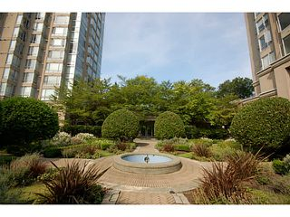 """Photo 14: 101 2638 ASH Street in Vancouver: Fairview VW Condo for sale in """"CAMBRIDGE GARDENS"""" (Vancouver West)  : MLS®# V1137698"""