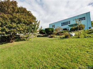 Photo 18: 318 Clifton Terr in VICTORIA: Es Saxe Point House for sale (Esquimalt)  : MLS®# 714838