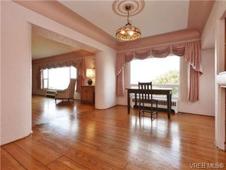 Photo 9: 318 Clifton Terr in VICTORIA: Es Saxe Point House for sale (Esquimalt)  : MLS®# 714838
