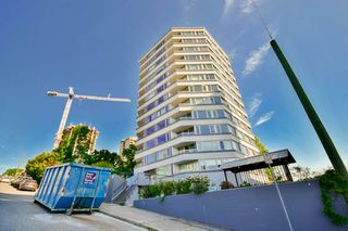 "Photo 2: 701 31 ELLIOT Street in New Westminster: Downtown NW Condo for sale in ""ROYAL ALBERT TOWER"" : MLS®# R2065597"