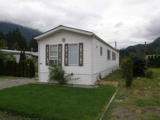 Photo 1: 44 65367 KAWKAWA LAKE Road in Hope: Hope Kawkawa Lake Manufactured Home for sale : MLS®# R2077545