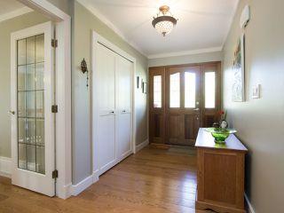 Photo 2: 5755 FERGUSON Court in Delta: Tsawwassen East House for sale (Tsawwassen)  : MLS®# R2090014