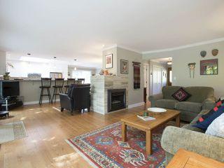 Photo 3: 5755 FERGUSON Court in Delta: Tsawwassen East House for sale (Tsawwassen)  : MLS®# R2090014