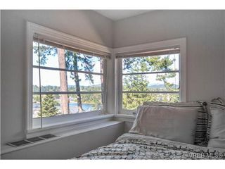 Photo 11: 2817 Murray Dr in VICTORIA: SW Portage Inlet Single Family Detached for sale (Saanich West)  : MLS®# 738601