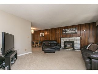 Photo 3: 2470 SUNNYSIDE Place in Abbotsford: Abbotsford West House for sale : MLS®# R2101365