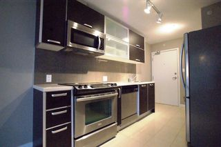 """Photo 8: 2201 9981 WHALLEY Boulevard in Surrey: Whalley Condo for sale in """"PARK PLACE"""" (North Surrey)  : MLS®# R2117165"""