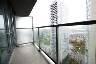 """Photo 14: 2201 9981 WHALLEY Boulevard in Surrey: Whalley Condo for sale in """"PARK PLACE"""" (North Surrey)  : MLS®# R2117165"""