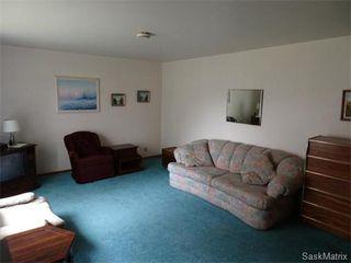 Photo 9: 14 OTTAWA Place in Regina: Churchill Downs Single Family Dwelling for sale (Regina Area 03)  : MLS®# 589785