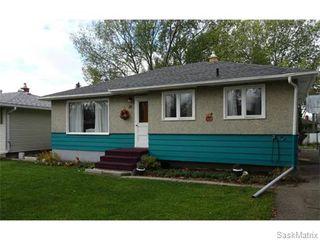 Photo 2: 14 OTTAWA Place in Regina: Churchill Downs Single Family Dwelling for sale (Regina Area 03)  : MLS®# 589785