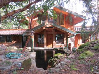 Photo 1: 364 CREEK Road: Bowen Island House for sale : MLS®# R2133978