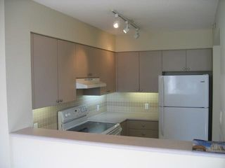 Photo 5: 1205 1277 NELSON Street in Vancouver: West End VW Condo for sale (Vancouver West)  : MLS®# R2137954