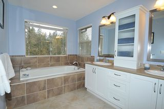 "Photo 9: 24553 KIMOLA Drive in Maple Ridge: Albion House for sale in ""HIGHLAND FOREST"" : MLS®# R2144341"
