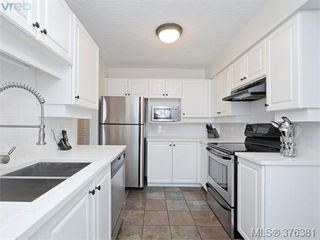 Photo 11: 406 1500 Elford St in VICTORIA: Vi Fernwood Condo Apartment for sale (Victoria)  : MLS®# 755566