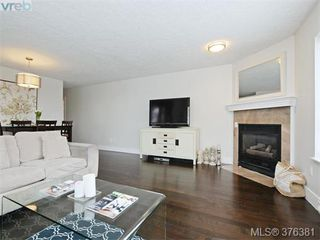 Photo 5: 406 1500 Elford St in VICTORIA: Vi Fernwood Condo Apartment for sale (Victoria)  : MLS®# 755566