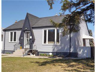 Photo 1: 221 Helmsdale Avenue in Winnipeg: East Kildonan Residential for sale (3D)  : MLS®# 1710180