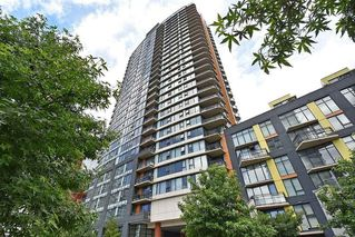 """Main Photo: 3307 33 SMITHE Street in Vancouver: Yaletown Condo for sale in """"COOPERS LOOKOUT"""" (Vancouver West)  : MLS®# R2212690"""