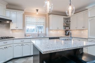 """Photo 8: 35983 STONERIDGE Place in Abbotsford: Abbotsford East House for sale in """"Mountain Village"""" : MLS®# R2236228"""