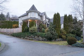 """Photo 2: 35983 STONERIDGE Place in Abbotsford: Abbotsford East House for sale in """"Mountain Village"""" : MLS®# R2236228"""
