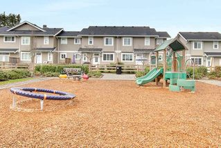 Photo 2: 35 12161 237 Street in Maple Ridge: East Central Townhouse for sale : MLS®# R2252571