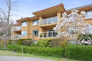 "Photo 2: 207 15155 22 Avenue in Surrey: Sunnyside Park Surrey Condo for sale in ""VILLA PACIFIC"" (South Surrey White Rock)  : MLS®# R2253156"