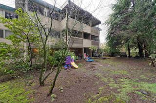 """Photo 17: 859 WESTVIEW Crescent in North Vancouver: Upper Lonsdale Condo for sale in """"Cypress Gardens"""" : MLS®# R2255255"""