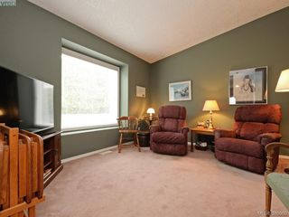 Photo 10: 63 Salmon Crt in VICTORIA: VR Glentana Manufactured Home for sale (View Royal)  : MLS®# 783796